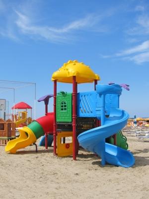 Spielgerät/Spielplatz für Kinder