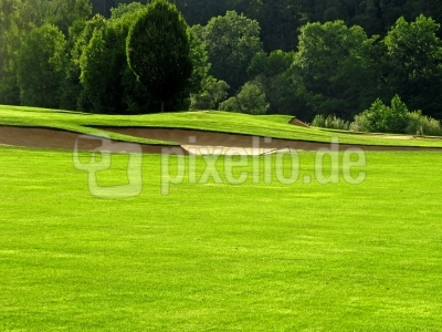 Golfplatz mit Sandbunkern