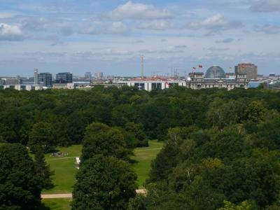 Blick auf Tiergarten / Reichstag in Berlin