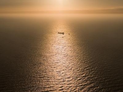 Tanker auf `Große Fahrt` - Luftbild