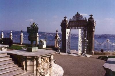 Dolmabahce Palast am Bosporus