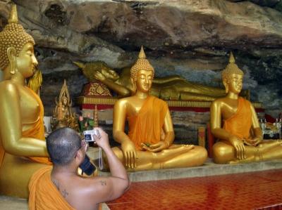 In einer Höhle am Mekong