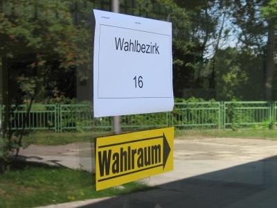 Hinweisschild - Wahllokal, Wahl 2009