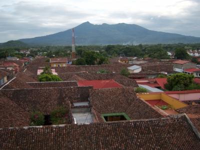 Granada von oben mit Vulkan