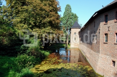 Schloss Paffendorf zu Bergheim, Schlossgraben