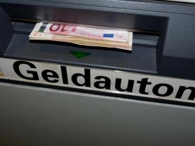 Geld entnehmen