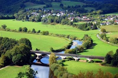 Blick von der Burgruine Blankenberg ins Tal der Sieg #5