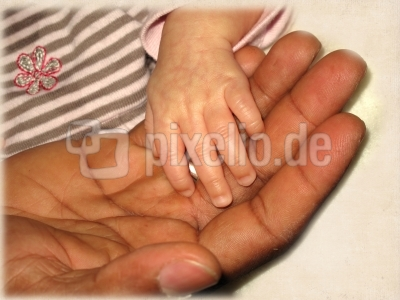 Kleine Hand und große Hand