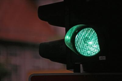 Ampel grün dunkel