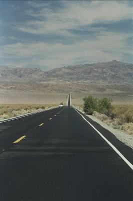 Auf dem Weg ins Death Valley (Californien)