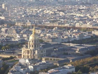 Blick auf den Dôme des Invalides vom Tour Montparnasse 56