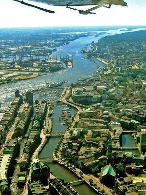 Hafenluftaufnahme Hamburg