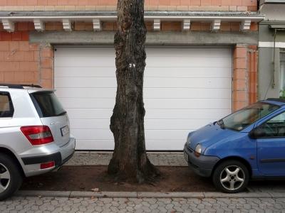 Garageneinfahrt bitte freihalten!