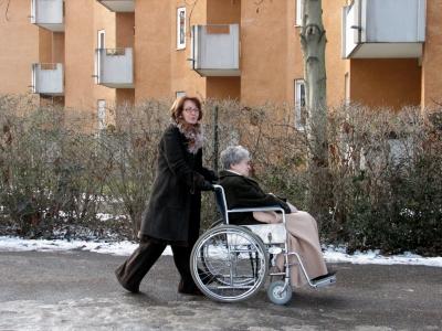 Altenpflege - Ausfahrt im Winter
