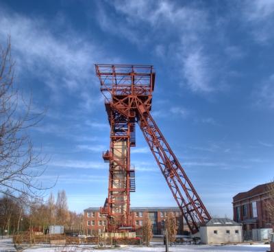 Zeche Zollverein Schacht 3 7 10 - Förderturm