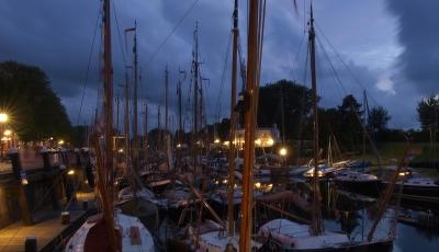 Abendliche Romantik am Hafen