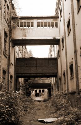 Fabrikansicht mit Übergängen