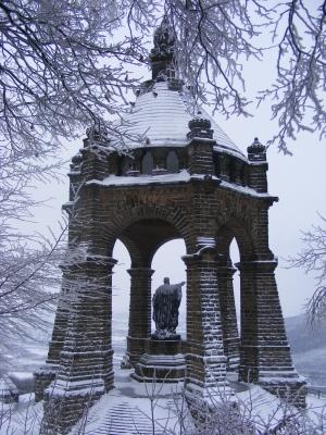 Kaiser-Wilhelm-Denkmal im Winter