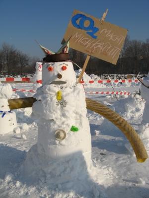 Schneemänner und Schneefrauen