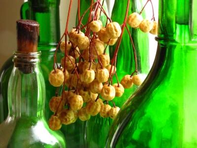 Stillleben mit grünen Flaschen 2