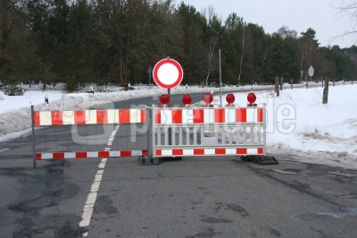 Straße gesperrt nach Frostschäden