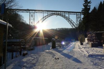 Müngstener Brücke zu Solingen im Winter