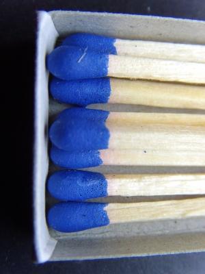Zündhölzchens Farben -   blau
