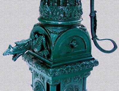 Reich verzierter Hydrant in Köpenick (Detail)