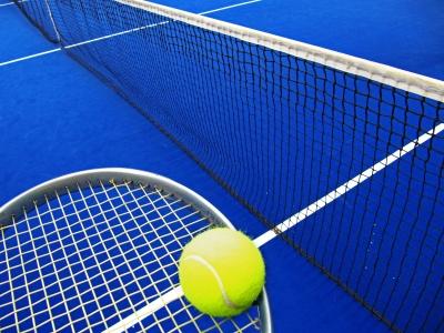 Hallentennis mit Netz, Schläger, Ball_1