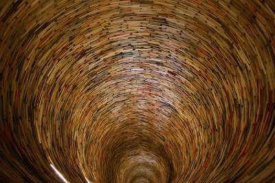Prag: Bücherturm in der Stadtbibliothek 2