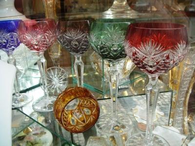 Farbiges Kristallglas mit historischer Tradition