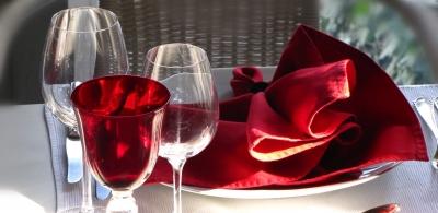 Tisch-Deko rot-weiss 2