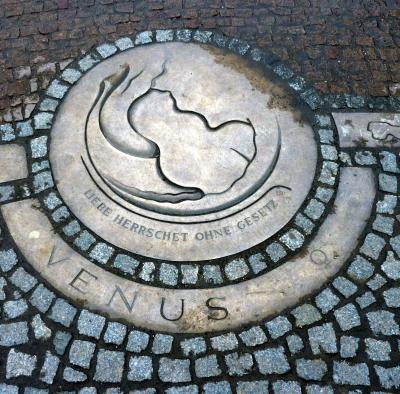 Venus; Kupferstich auf der Elbterasse in Dresden