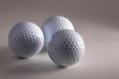 Drei Golfbaelle 2