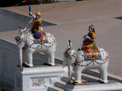 Tempelelefanten (Bodnath, Nepal)