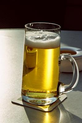 Bierchen mit Aschenbecher