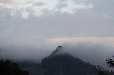 Burg Strechau im Morgennebel