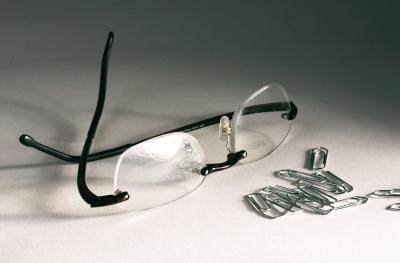 Büroklammern mit Brille 1