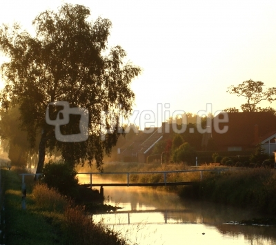 Frühmorgens am Kanal