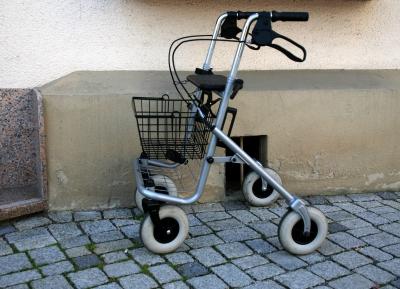 Rollator oder Gehwagen