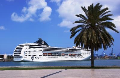 MSC Opera im Hafen von Las Palmas