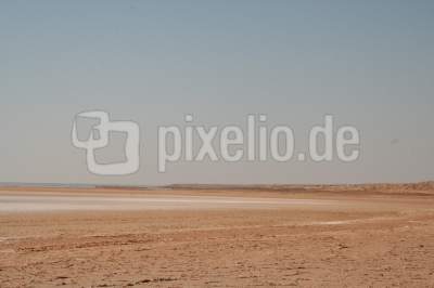 Salzsee in Südtunesien