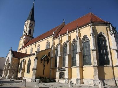 Stadtpfarrkirche Mariä Himmelfahrt in Kelheim (Bayern)