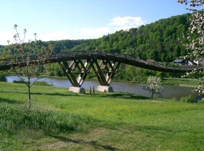 "Holzbrücke ""Tatzlwurm"" in Essing im Altmühltal"
