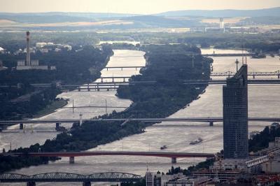 Donau so blau...