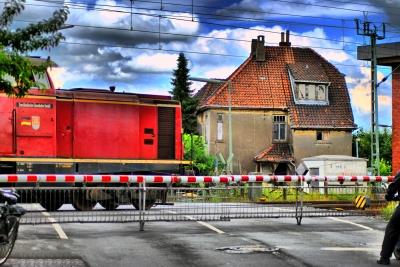 Gleis mit Güterzug - HDR (gemalt)