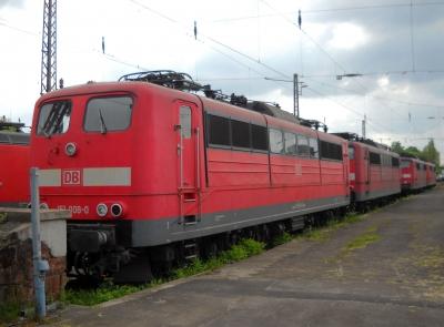Abgestellte Loks der Baureihe 151 in Dillingen/Saar