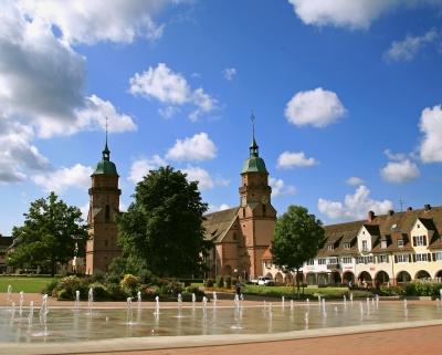 Freudenstadt mit Stadtkirche am Unteren Marktplatz