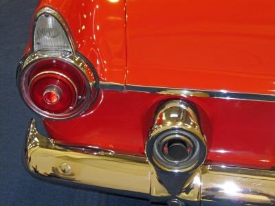 02_Ford_Thunderbird_1955_Detail_Rücklicht