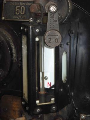 Molli 99 2324 (Neubaulok) - Wasserstandsanzeiger